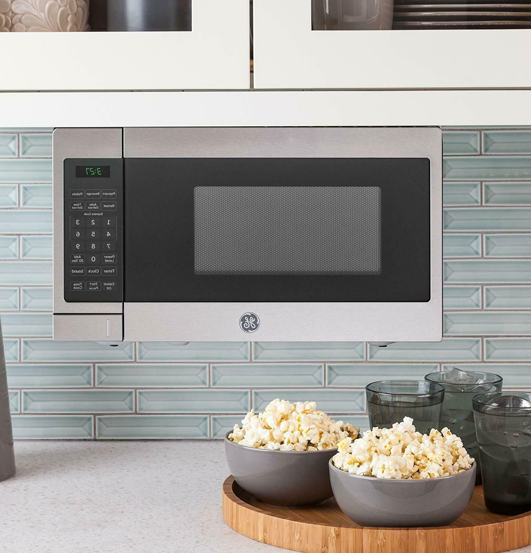 GE 0.7 Capacity Microwave JES3072SHSS