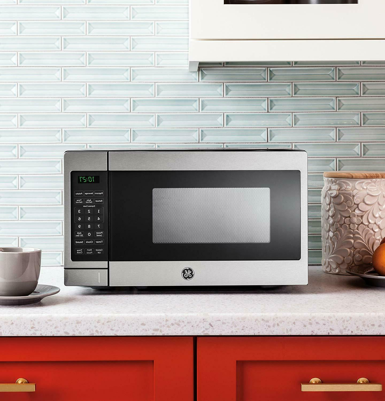0 7 cu ft capacity countertop microwave