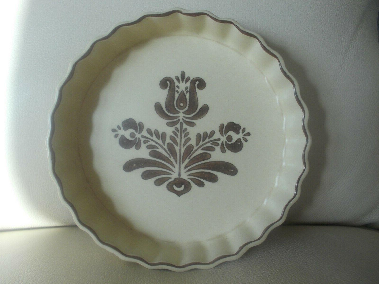 1970 s 9 quiche dish village pattern